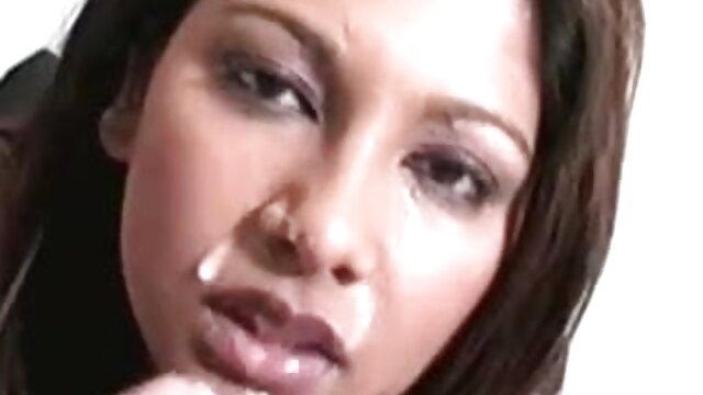 শ্যামাঙ্গিণী সুন্দরি সেক্সি xxx বাংলা com মহিলার মেয়ে সমকামী