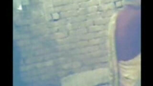 অবাস্তব, এক মহিলা বহু বাংলা দেশী xxxx পুরুষ,