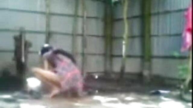 আমি তার বন্ধু পূরণ, তাই তিনি তার আইফোন sex video বাংলা কেনা