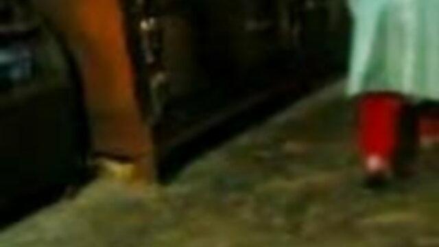 বড়ো বুকের মেয়ের বড় সুন্দরী www বাংলা xxx video com মহিলা