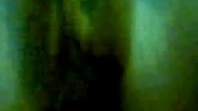 তাড়ার মধ্যে একজন মানুষ রান্নাঘর মধ্যে আমার বোন নেওয়া, কিছু আমি xxx বাংলা তার ব্রা থেকে অপসারণ পরিচালিত না.