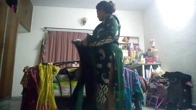 মেয়ে সমকামী, গুদে হাত বাংলা সেকচ ভিডিও ঢোকানর