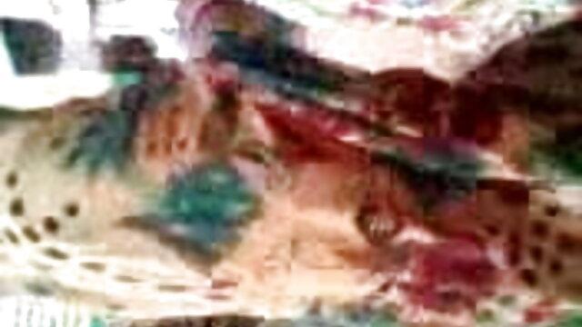পানভোজনবিলাসী ব্রেকফাস্ট স্বাদ উপর মেয়েরা xxxবাংলা মনোযোগ দুটি